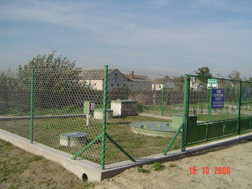 Oglądasz galerię obrazów serwisu Gminy Szumowo Dotacje na dofinansowanie budowy przydomowych oczyszczalni ścieków na terenie Gminy Szumowo w 2012 r.